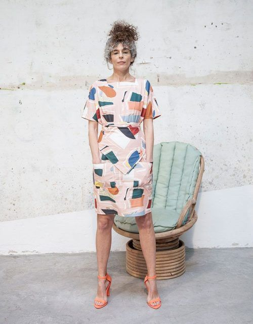 Square neck and bat sleeve pink collage dress.