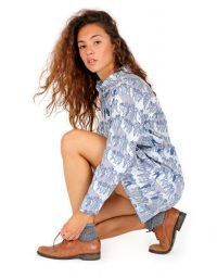 Light blue casual shirt women print dress with Mao neck. Long sleeves and pleating on the back.